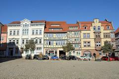 Obermarkt in Mühlhausen/Thüringen; Wohnhäuser/Geschäftshäuser aus unterschiedlichen Bauepochen.