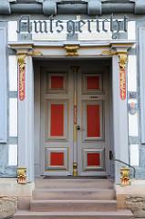 Historische Eingangstür vom Amtsgericht Duderstadt; erbaut 1727.