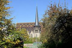 Die evangelische St. Petrikirche (auch als Petrikirche bezeichnet) in Mühlhausen (Thüringen) ist ein 1356 fertiggestelltes und unter Denkmalschutz stehendes Baudenkmal. Die Kirche wurde vom Deutschen Orden in den Jahren 1352 bis 1356 erbaut.