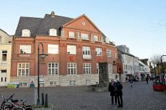 Bankgebäude des ehemaligen Vorschussvereins in Bad Segeberg - Hauptstelle der VR Bank Neumünster. Das Gebäude wurde 1915 eingeweiht - Entwurf Architekt Hans Ross.