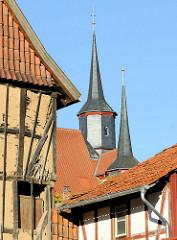 Türme vom historischen Rathaus in Duderstadt - eines der ältesten Rathäuser Deutschlands - erbaut ab 1302.