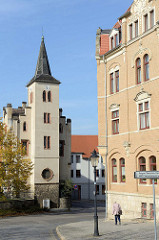 Blick auf das ehemaligen Hospital in der Michaelisstraße von Naumburg; es wurde ursprünglich 1336 errichtet, später durch Neubauten ersetzt und jetzt für gemeinnützige Wohnungen genutzt.