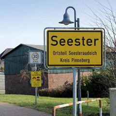 Ortsschild Seester - Ortsteil Seesteraudeich / Kreis Pinneberg.