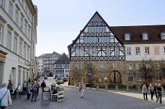 Historische Architektur in der Altstadt von Eisenach, Fachwerkfassade vom Creutznacher Haus, Bürgerhaus im Renaissancestil - erbaut 1539.