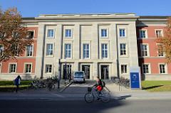 Gebäude / Eingang vom Thüringer Landesverwaltungsamt; Teil des 1936 begonnen Gauforums