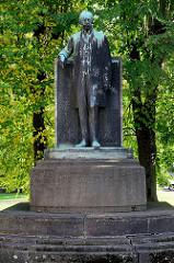 Carl Alexander Denkmal in Eisenach, errichtet 1909 - Bildhauer  Hermann Hosäus.