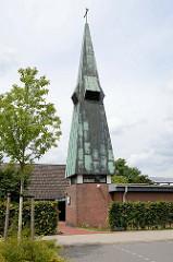 Kirche / Kapelle der Kirchengemeinde Sankt Gabriel in Hetlingen; geweiht 1971.