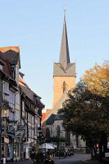 Kirchturm der St. Servatius Kirche in Duderstadt; Ursprungsbau von 1520 - dreischiffige gotische Hallenkirche.