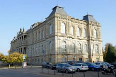 Herzogliches Museum Gotha; Baustil der Neorenaissance, eröffnet 1879 - Architekt  Baurat  Franz von Neumann der Ältere.