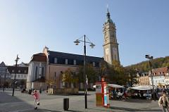 Blick über den Markt von Eisenach zur Georgen Kirche; Martin Luther predigte in diesem Kirchengebäude, Johann Sebastian Bach wurde in ihr getauft.