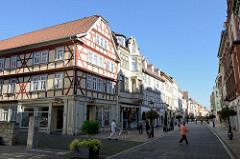 Fußgängerzone / Geschäftsstraße in der Altstadt von Mühlhausen, Steinweg.