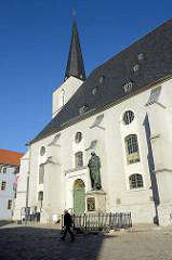 Stadtkirche Sankt Peter und Paul am Herderplatz von Weimar. Die Herderkirche wurde 1500 errichtet und gehört zum Ensemble Klassisches Weimar, das 1998 zum UNESCO-Weltkulturerbe erklärt wurde.
