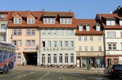 Wohngebäude / Geschäftshäuser mit Café und Restaurant am Frauenplan von Eisenach, zentraler Platz an dem sich auch das  Geburtshaus Johann Sebastian Bachs befand.