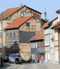 Wohnhäuser, teilweise mit Fachwerkkonstruktion in der Lutherstraße von Eisenach.