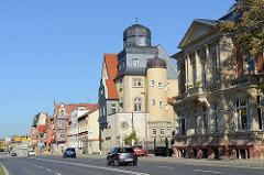 Wohnhäuser, Villen im Baustil der Gründerzeit / Heimatsstil am Kiliangraben in Mühlhausen/Thüringen.