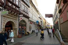 Blick in die Fußgängerzone der Karlstraße von Eisenach.