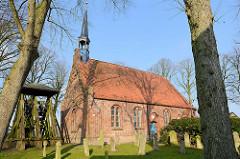 St. Johannes Kirche in Seester; Patronatskirche Kloster Uetersen; spätgotischer Bau, Ursprung im 15. Jahrundert.