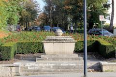 Jägerdenkmal an der Bergstraße in Naumburg, patriotische Einweihung 1923 - Entwurf   Stadtbaurat Friedrich Hoßfeld, Ausführung Steinbildhauer Karl Kruschwitz.