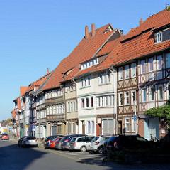 Mehrstöckige Wohn- und Geschäftshäuser in der Westertorstraße von Duderstadt.