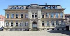 Historisches Gebäude der einstigen Kaiserlichen Oberpostdirektion am Mühlhäuser Obermarkt - erbaut 1914.