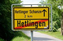 Schild Ortsende Hetlingen, Hetlinger Schanze 2 km.gerade geschlafen