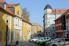 Wohnhäuser in der Augustinerstraße; lks. ein historisches Gebäude vom Diakoniewerk Gotha.