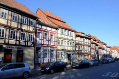 Wohnhäuser / Geschäftshäuser - Fachwerkgebäude in der Steintorstraße von Duderstadt.