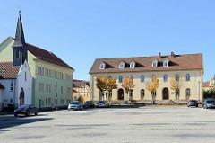 Blobachplatz in Mühlhausen, lks.  die römisch-katholische Bonifatiuskapelle, Einweihung 1851 - die katholische Gemeinde in Mühlhausen hatte zu diesem Zeitpunkt nur 200 Gemeindemitglieder.