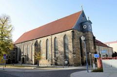Seitenansicht von der evangelischen Pfarrkirche des Augustinerklosters / Augustinerkirche in Gotha - dort predigte u.a. der  Augustinermönch Martin Luther 1521.