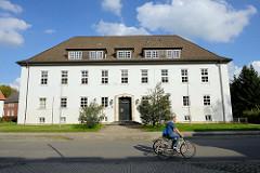 Hauptgebäude vom Amtsgericht Soltau am Rühberg.