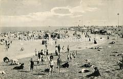 Historische Fotografie von Familienbadestrand in Wilhelmshaven.