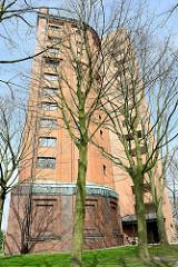 Stellinger Wasserturm, erbaut 1912 - stillgelegt 1974; ab 1981 Nutzung als Wohngebäude mit Anbau.