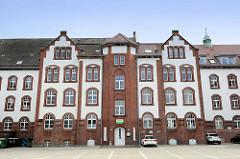 Historisches Gebäude der alten Polizei in Wilhelmshaven, jetzt gewerbliche Nutzung.