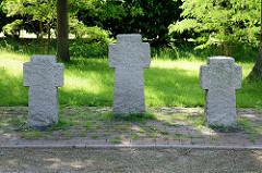 Gedenkstätte / drei Steinkreuze - Nordseebad Burhave / Butjadingen.