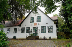 Gebäude vom Stolte-Haus /Kaufhaus in der  Findorffstraße von Worpswede - der Künstler  Fritz Mackensen lebte dort ab 1884 - jetzt Nutzung als Restaurant