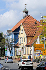 Blick durch die Poststraße von Soltau zum alten Rathaus, das 1826 errichtet wurde.