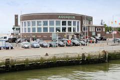 Blick zur Strandhalle / Aquarium  am Südstrand von Wilhelmshaven