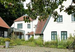 Blick auf den Barkenhoff in Worpswede. Der Barkenhoff (Plattdeutsch für 'Birkenhof') – ursprünglich ein Worpsweder Bauernhof – wurde im Jahre 1895 vom Künstler Heinrich Vogeler gekauft.