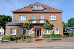 Butjenter Rathaus im Nordseebad Burhave.