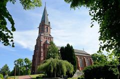 Evangelisch-lutherischen St. Petrikirche in Burhave; erbaut im neogotischen  Stil 1880 - Architekt Franz Xaver Lütz.