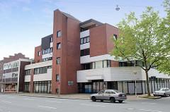 Bürohaus / Geschäftshaus in der kubischen Architektur der 1970er Jahre in der Innenstadt von Wilhelmshaven.