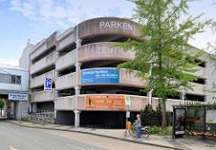 Betonarchitektur in Wilhelmshaven, Parkhaus bei der Stadthalle.