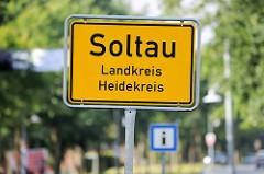 Stadtschild /Landesgrenze von Soltau, Landkreis Heidekreis.