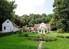 Blick auf den Barkenhoff in Worpswede. Der Barkenhoff (Plattdeutsch für 'Birkenhof') – ursprünglich ein Worpsweder Bauernhof – wurde im Jahre 1895 vom Künstler Heinrich Vogeler.