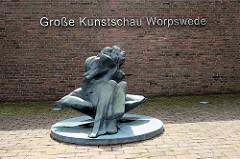 Skulptur - Eingang Große Kunstschau Worpswede.