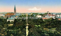 Altes kolorierte Luftbild von Wilhelmshaven, Links die Christuskirche in der Mitte das Stationsgebäude, rechts der Wasserturm.