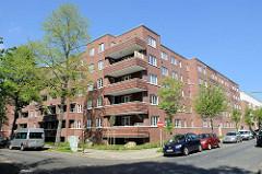 Neubau der abgerissenen sogen. ELISA-Häuser in Hamburg Hamm; mehrstöckige Backsteinarchitektur / Balkons in der Sonne - Am Elisabethgehölz / Mettlerkampsweg.
