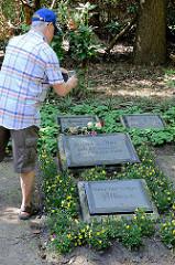 Grab von Hans Albers auf dem Ohlsdorfer Friedhof.