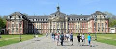 Fürstbischöfliches Schloss in Münster; erbaut 1767 - 1787 im Stil des Barock erbautes Residenzschloss für Münsters vorletzten Fürstbischof Maximilian Friedrich von Königsegg-Rothenfels. Der Architekt war Johann Conrad Schlaun. Seit 1954 ist es S
