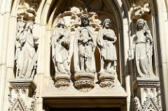 Skulpturen an der Lambertikirche in Münster - erbaut zwischen 1375 und 1525.